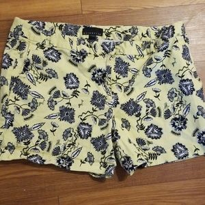 Floral shorts. Excellent condition